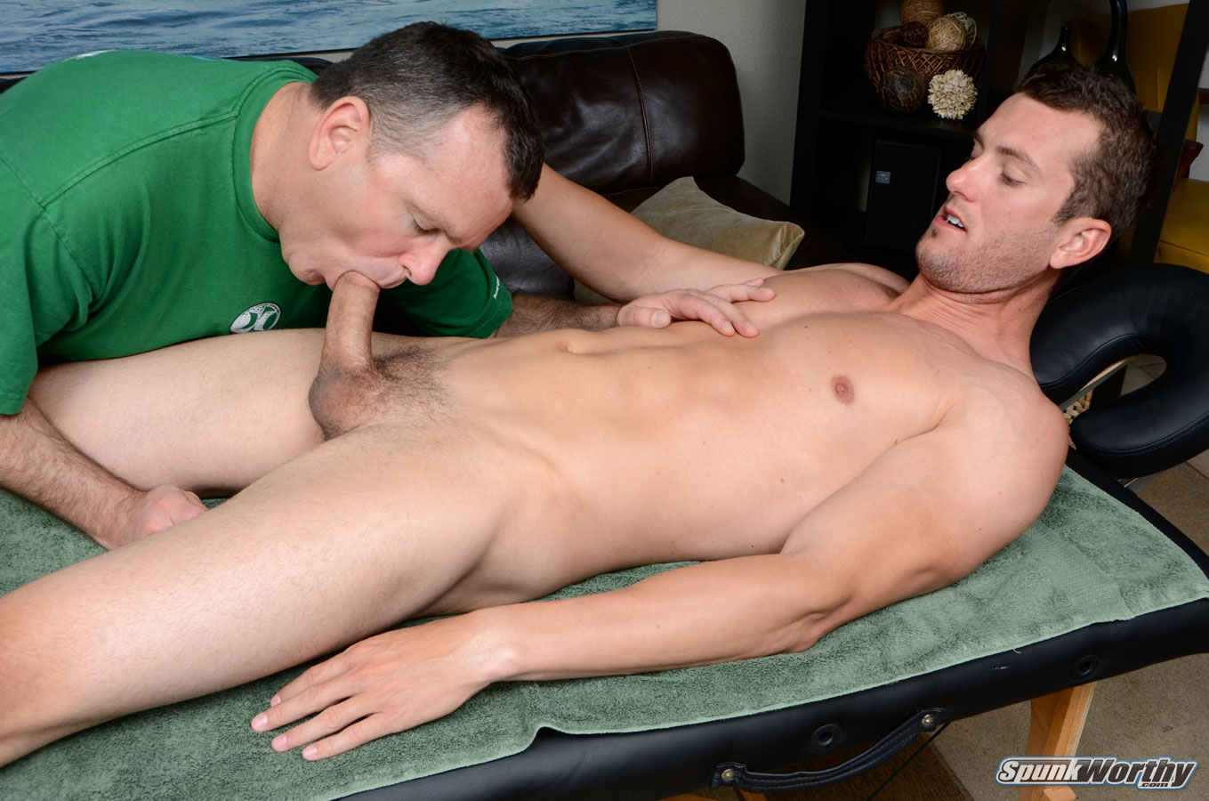 SpunkWorthy-Tommy-Straight-Guys-First-Blow-Job-From-A-Gay-Guy-Massage-Amateur-Gay-Porn-16 Amateur Straight Guy Gets His First Massage With A Happy Ending