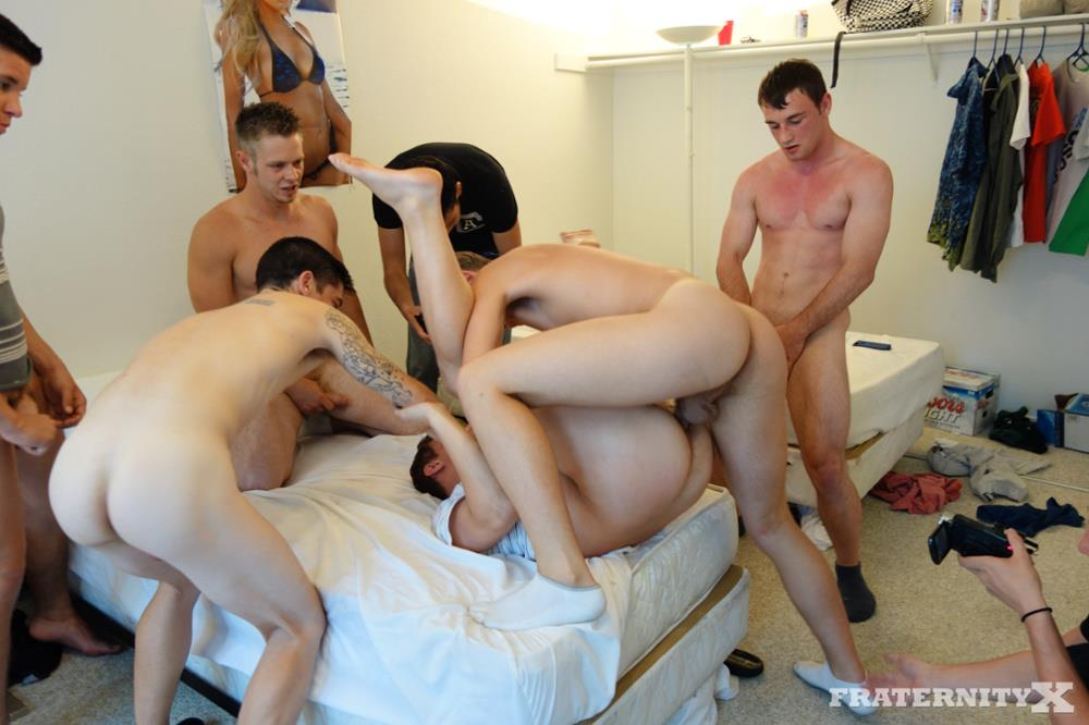 Fraternity-X-5-Frat-Guys-Barebacking-A-Tight-Ass-Breeding-BBBH-Amateur-Gay-Porn-14 Fraternity Jock Takes Five Bareback Loads Up The Ass
