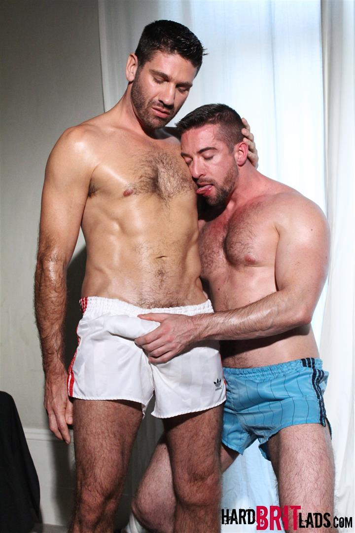 Hard-Brit-Lads-Craig-Daniel-Scott-Hunter-Hairy-Muscle-Hunks-With-Big-Uncut-Cocks-Fucking-Amateur-Gay-Porn-02.jpg