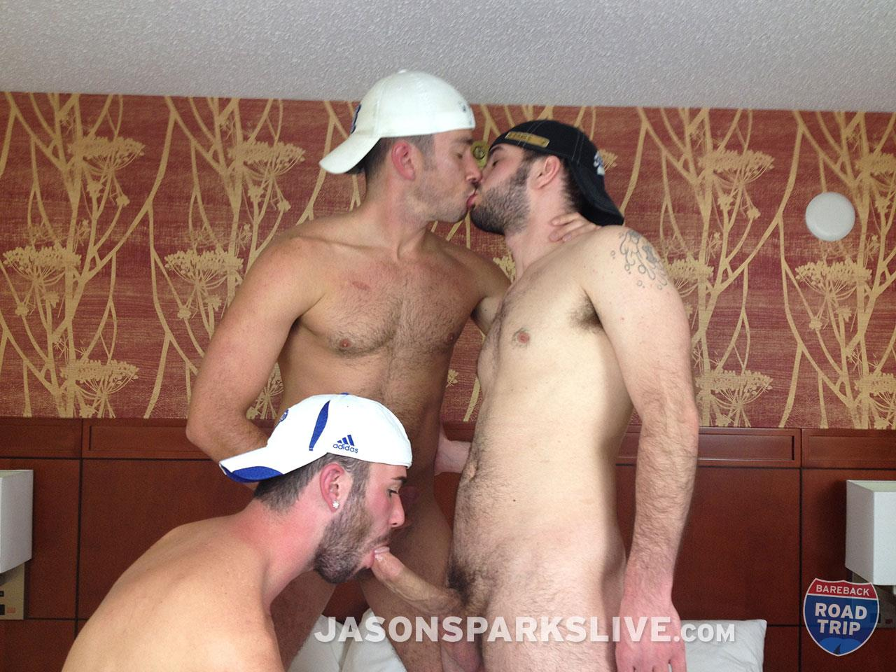 Jason-Sparks-Live-Lucas-Zander-and-Alex-Mason-and-Owen-Powers-Hairy-Twink-Bareback-Threeway-Amateur-Gay-Porn-04.jpg