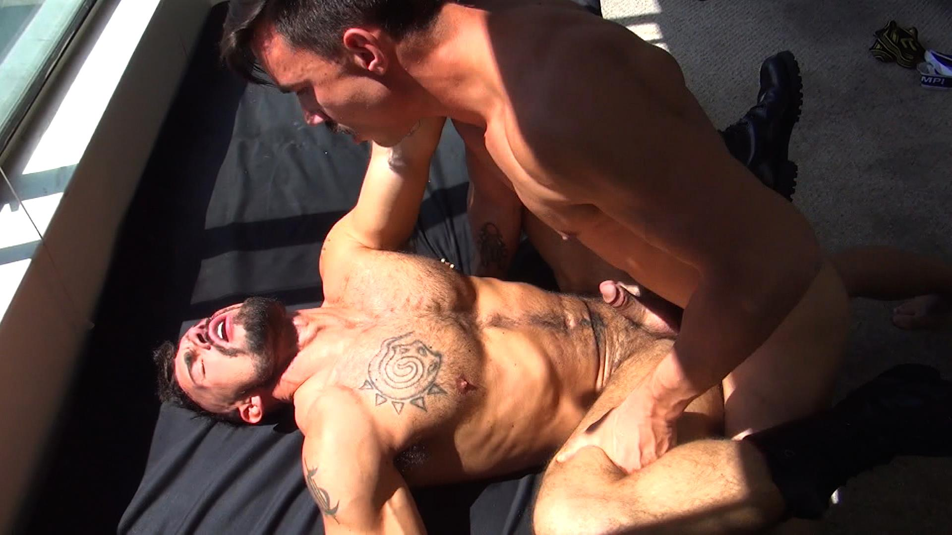 Raw-Fuck-Club-Derrick-Hanson-and-Aarin-Asker-and-Billy-Warren-and-Adam-Avery-Amateur-Gay-Porn-03 Group Sex Bareback Fucking At The Folsom Street Fair 2015