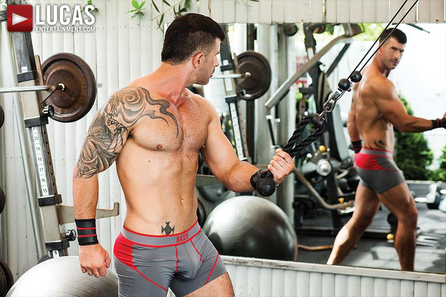 Lucas-Entertainment-Alexander-Volkov-and-Adam-Killian-Muscule-Bareback-Fuck-Amateur-Gay-Porn-10.jpg