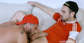 Hard-Kinks-Mario-Domenech-and-Koldo-G-Bareback-Big-Uncut-Cocks-Amateur-Gay-Porn-06.jpg